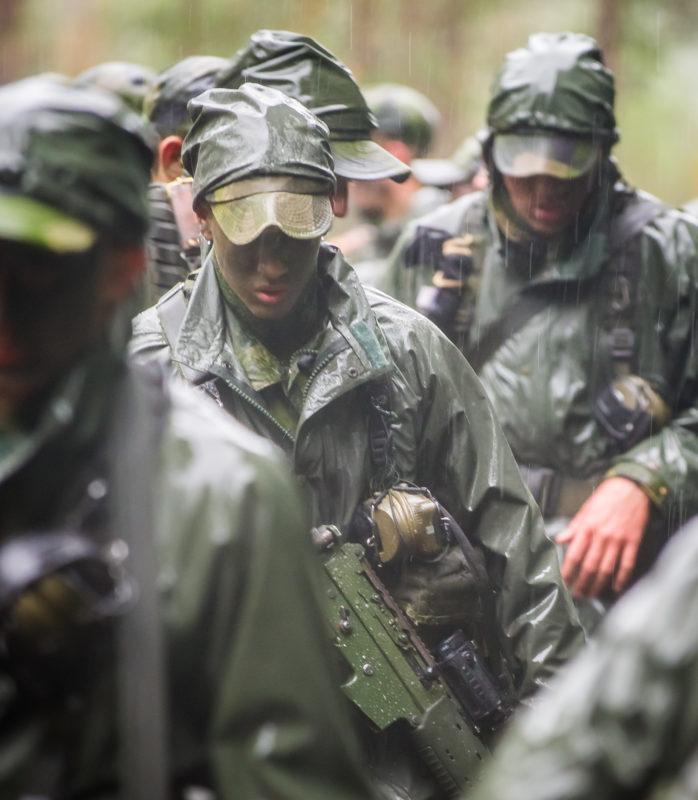 Soldater i regnställ 90 Foto:©2011 Kim Svensson