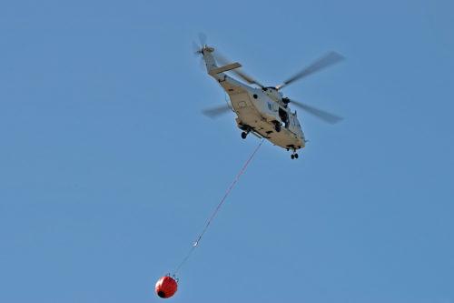 Helikopter 14 med brandtunna