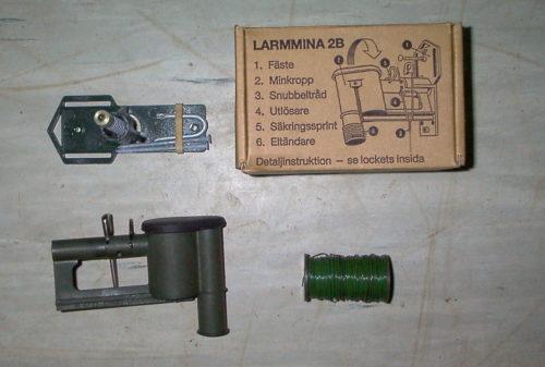 Larmmina 2B med tillbehör Foto:©2002 Henrik Svensk